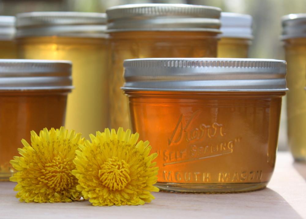 Vì sao nên uống nước ấm pha mật ong mỗi ngày vào buổi sáng